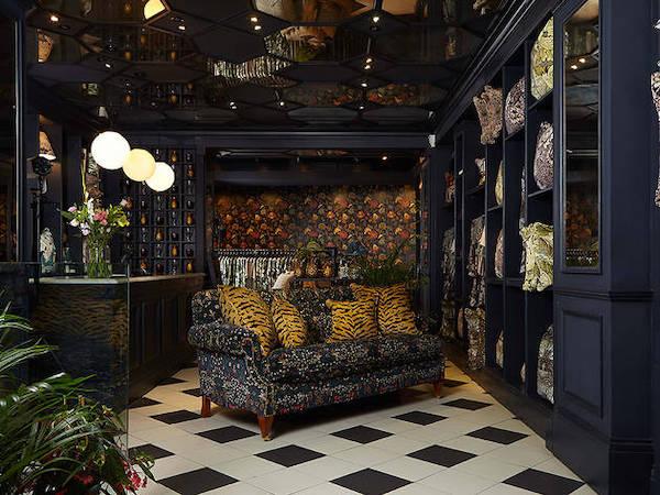 Commercial tilers in London 2