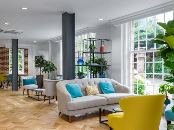 Professional commercial decorators London