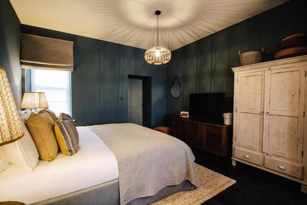 The Blonde Hedgehog Bedroom 2