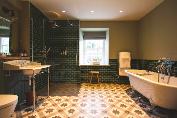 The Blonde Hedgehog Master Bathroom